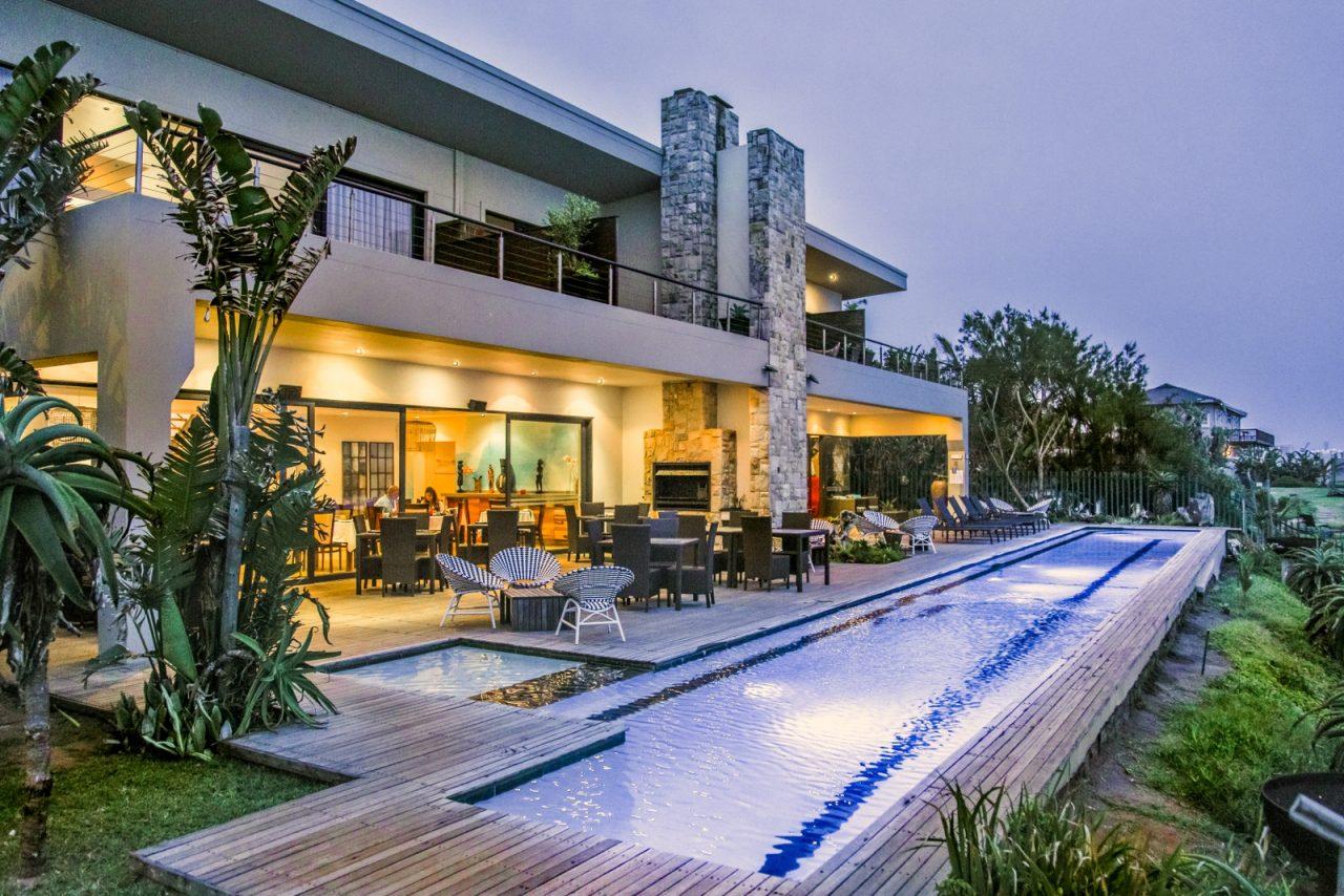 http://www.theumhlangamagazine.co.za/wp-content/uploads/Canelands-Hotel-1280x854.jpg